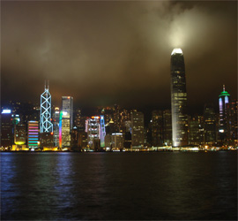Photo du port de Hong Kong la nuit - Photo Guillaume Duchene © Sejour-Chine.com